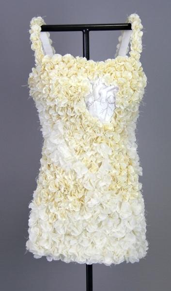 Kelly O'Brien, No Harm, 2012, Paper Sculpture