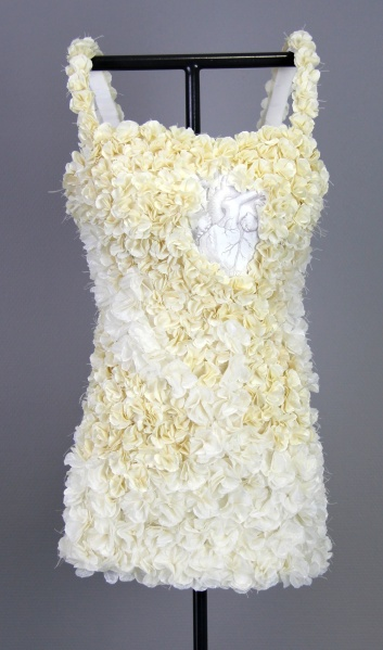Kelly O'Brien, No Harm, 2012, Paper Sculpture