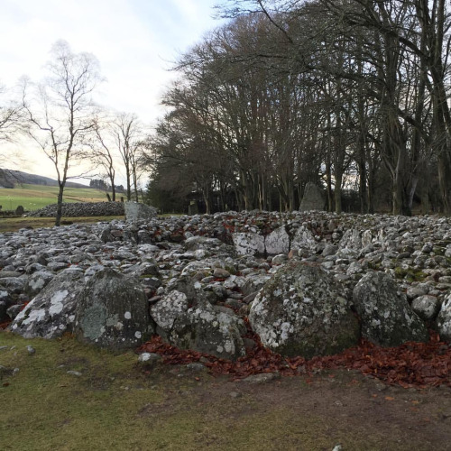 Clava Cairn at Balnuaran of Clava (Bronze Age ceremonial henge and cairns)